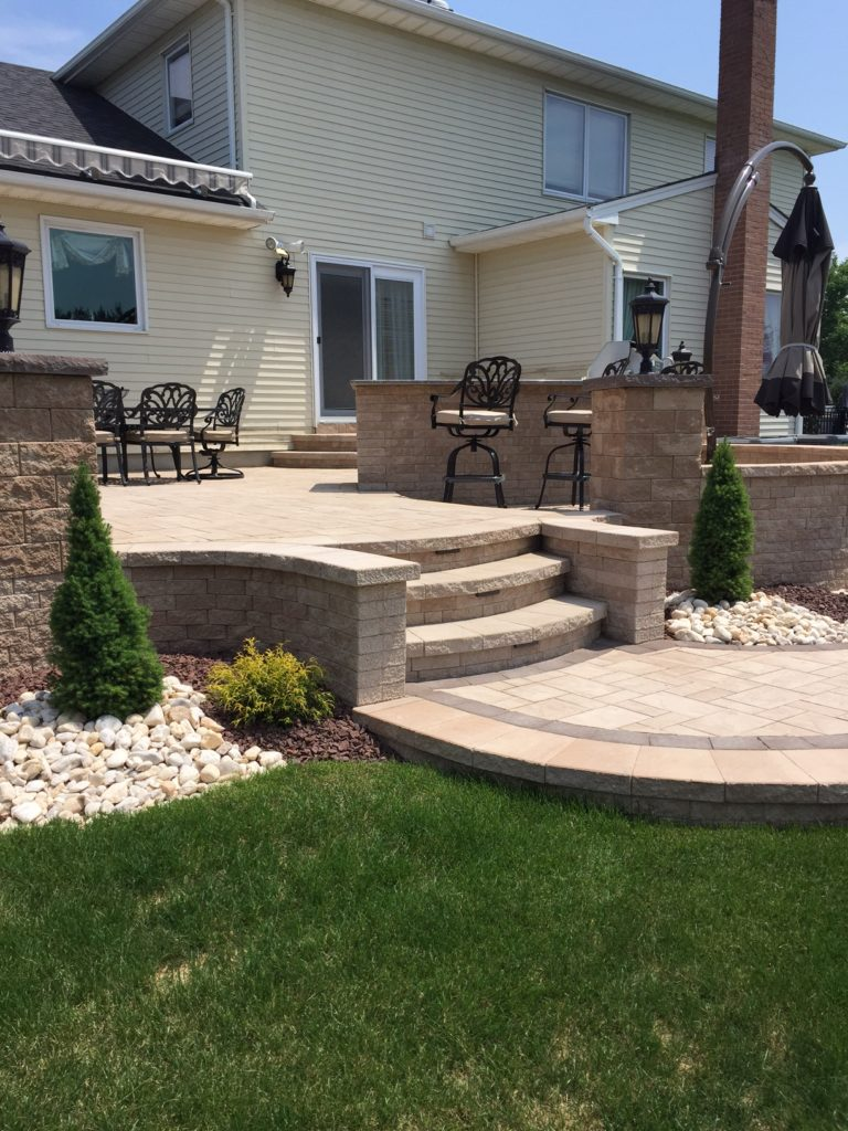 Landscaping with Rocks and Pebbles