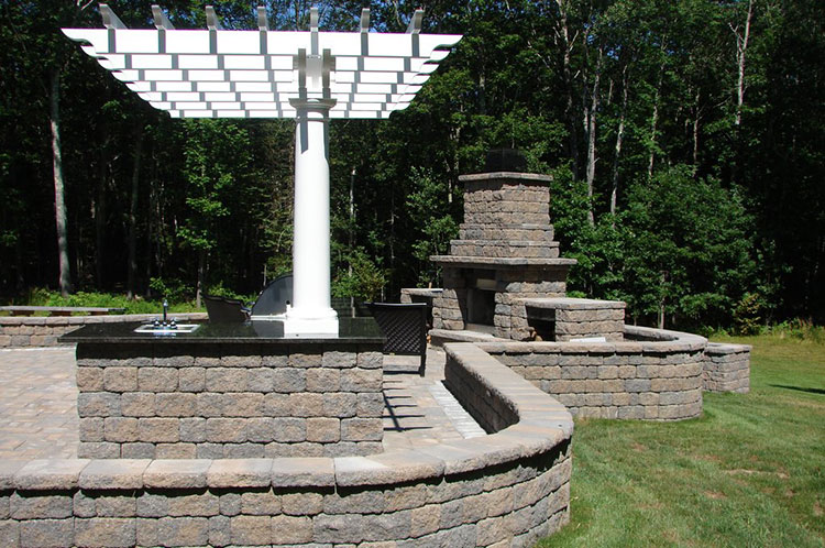 Outdoor Kitchen and Fireplace Souderton PA