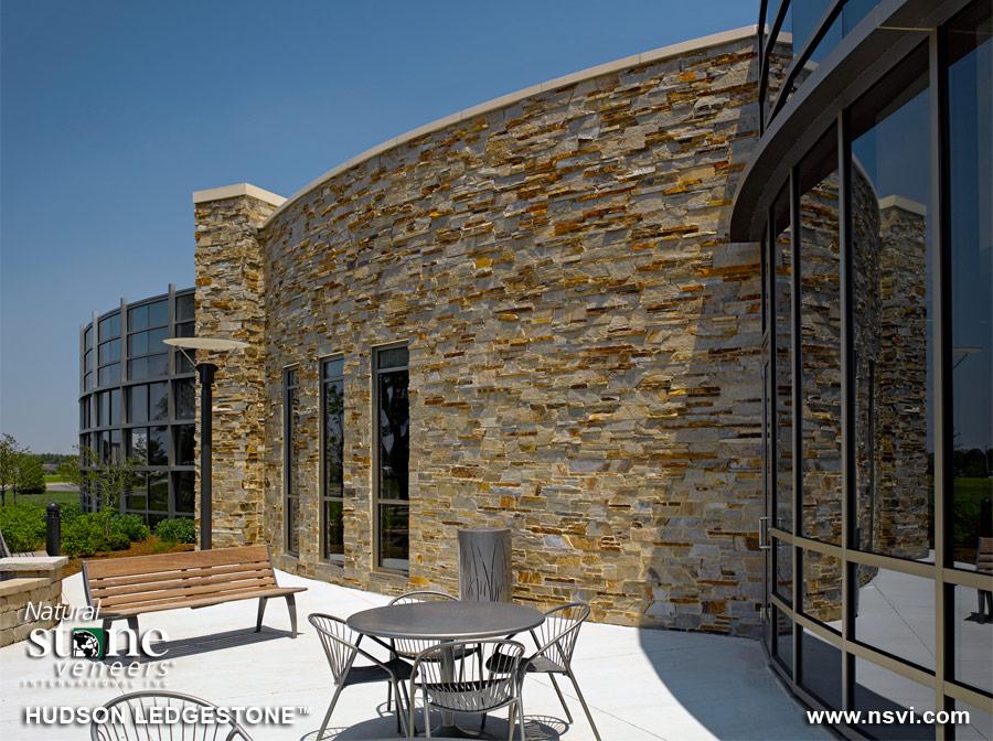 Hudson Ledgestone Wall Design
